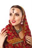 Härlig le kvinnamodellIn Indian National stil royaltyfria bilder