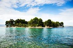 Härlig liten ö i Kroatien Arkivbild