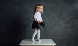 Härlig liten ballerinadansare arkivfoto