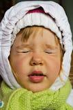 Härlig liten flicka i vinterkläder arkivbild