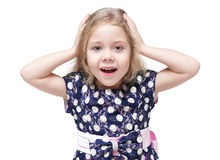 Härlig liten flicka med isolerat blont hår som förvånas Royaltyfri Fotografi