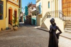 Härlig liten koloniinvånarefyrkant i gamla Havan Fotografering för Bildbyråer