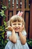 Härlig liten prinsessaflicka arkivfoton