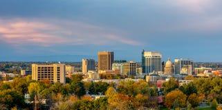 Härlig liten stad av Boise Skyline i nedgång Royaltyfri Bild