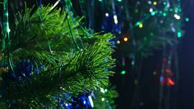 Härlig ljus natt för julgranleksaker lager videofilmer