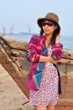 Härlig lycklig ung asiatisk kinesisk kvinna eller flicka Royaltyfria Bilder