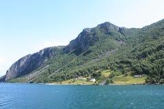 Härlig Lysefjord fjord i Norge från färjan arkivbilder