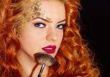 härlig makeupkvinna Arkivfoto