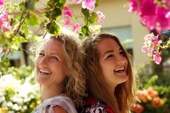 Härlig mamma och hennes dotter royaltyfria foton