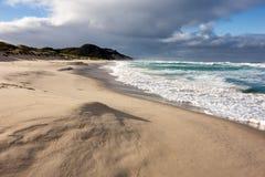 Härlig Mandalay strand i västra Australien i en ursnygg morgon med inget royaltyfri fotografi