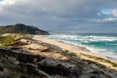 Härlig Mandalay strand i västra Australien i en ursnygg morgon med inget arkivfoto