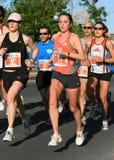 härlig maratonkvinna Fotografering för Bildbyråer