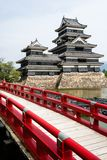 Härlig medeltida slott Matsumoto i den östliga Honshuen, Japan Arkivfoto