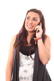 härlig mobil telefon genom att använda kvinnabarn Royaltyfri Fotografi