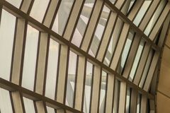 Härlig modell av abstrakt modern arkitekturbyggnad i Su Arkivbilder
