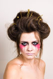 Härlig modell för allhelgonaaftonsmink med den perfekta frisyren Royaltyfri Fotografi