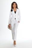 Härlig modell för sysselsatthetkvinnamode som isoleras på vit. Vit Arkivbilder