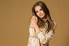härlig modeståendekvinna Royaltyfri Bild