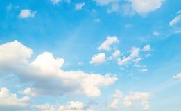 Härlig molnhimmel Arkivbilder