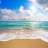 härlig molnig havssky Royaltyfri Bild