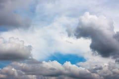 härlig molnig sky Royaltyfria Bilder