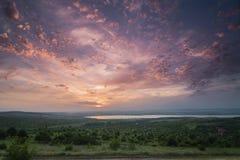 Härlig molnig solnedgång, nära den Burgas Bulgarien Arkivfoto