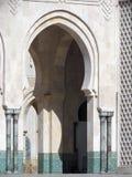 Härlig moské Hassan II ett arkitektoniskt mästerverk som vänder mot solljus royaltyfri bild