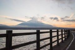 Härlig Mt Fuji på Yamanakako Royaltyfri Foto