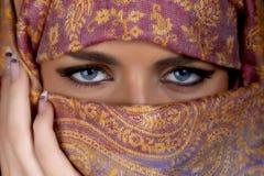 Härlig muslimkvinna Arkivfoton