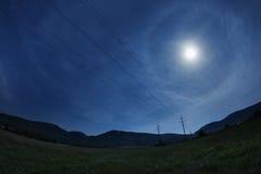 Härlig natthimmel med fullmånen och stjärnorna Royaltyfri Bild
