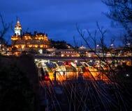 Härlig nattlandskapbild av Edinburg Arkivbild
