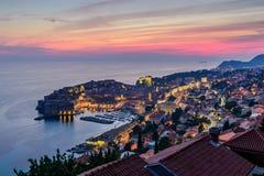Härlig nattsikt av Dubrovnik royaltyfria foton