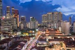 Härlig nattsikt av horisont - kineskvarter - Singapore Royaltyfria Bilder