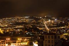 Härlig nattsikt av huvudstaden av madeiran Funchal, Portugal Arkivfoto