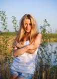 härlig naturlig ren kvinna arkivfoto