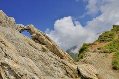 Härlig naturskulptur i bergen Arkivfoto