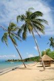 Härlig obebodd ö på söder av Thailand Royaltyfria Foton