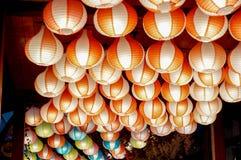härlig och färgrik pappers- lampa royaltyfria bilder