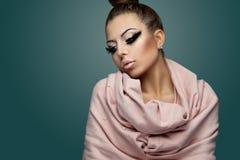 Härlig och glamorös kvinna Arkivfoton