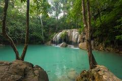 Härlig och hisnande grön vattenfall, vattenfall för Erawan ` s Royaltyfri Fotografi