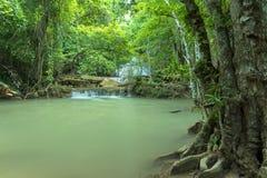 Härlig och hisnande vattenfall, vattenfall för Huay Mea Kamin ` s Royaltyfria Bilder