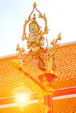 Härlig och klassisk konstlampstolpe i den thai templet Wat Mahatha Royaltyfri Bild