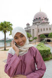 Härlig och söt asiatisk malajiska muslimsk dam Royaltyfria Foton