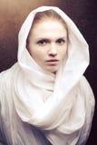 Härlig oskuld i vit udde Royaltyfria Foton