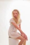 Härlig oskyldig ung kvinna Royaltyfria Bilder