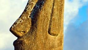 Härlig påskö Moai som ser till himlen 06 royaltyfria foton