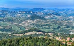 Härlig panorama av Republiken San Marino royaltyfri bild