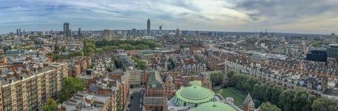 Härlig panorama- flyg- sikt av London byggnader Arkivbild