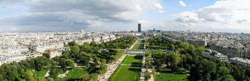 Härlig panoramautsikt av den Paris staden i soligt väder Royaltyfri Fotografi