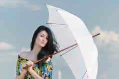 härlig paraplykvinna Royaltyfri Fotografi